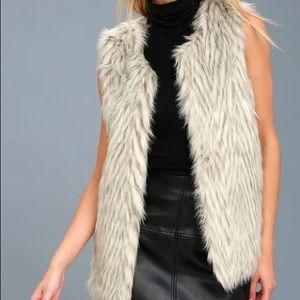 Lulus Groovy Baby Grey Faux Fur Vest (EUC)